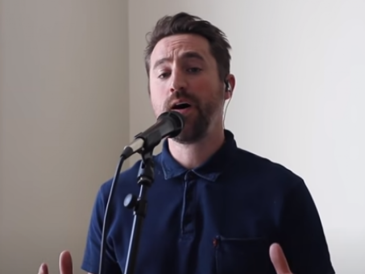 Prime Minister gives Tim Hughes award and labels UK Blessing video a 'sensational singing masterpiece'